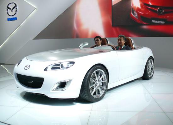 Автомобиль марки Mazda