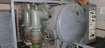 Как выбрать жидкость для  диффузионного вакуумного насоса?