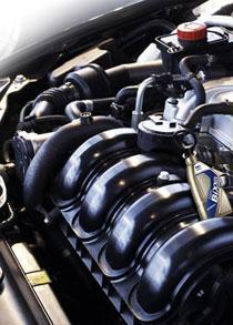 уменьшение трения в работе двигателя
