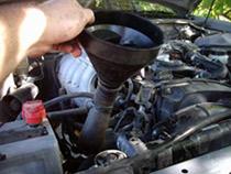 В основе антифриза находится водно-гликолевая смесь, которая обеспечивает стойкость антифриза при низких температурах. Среди автолюбителей наиболее популярны охлаждающие жидкости на основе этиленгликоля.